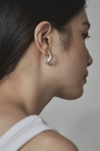 Inby Curve Earrings