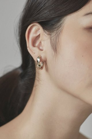 Naobi Curve Earrings