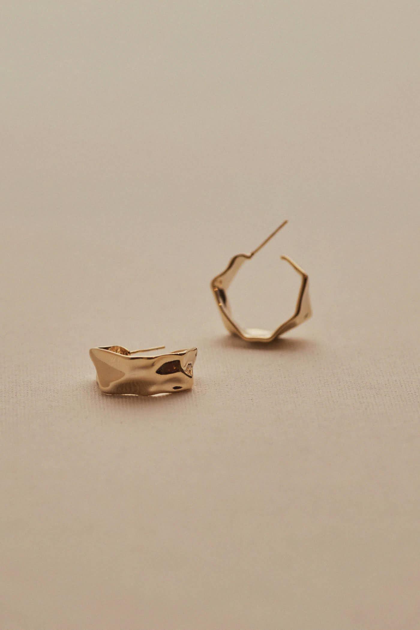 Juvia Hoop Earrings
