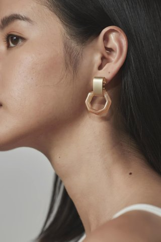 Calyn Earrings