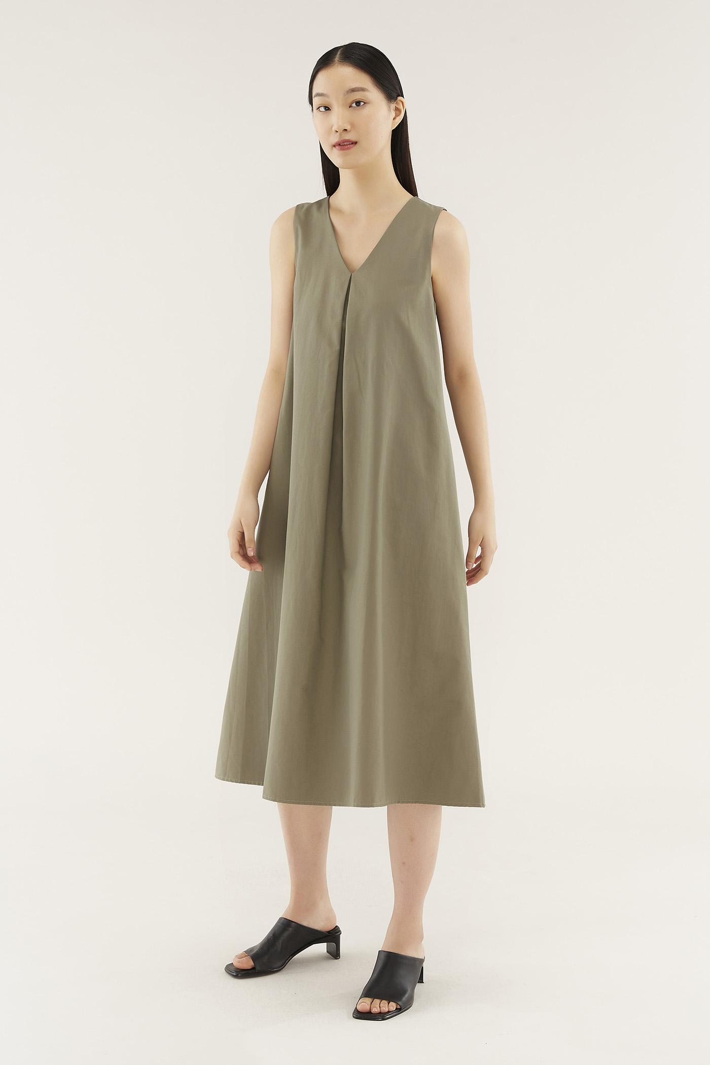 Hanah Box-pleat Dress