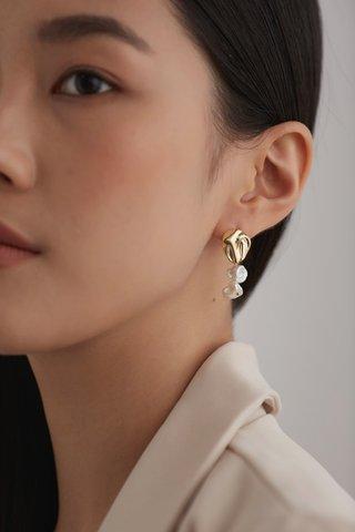 Joana Pearl Earrings