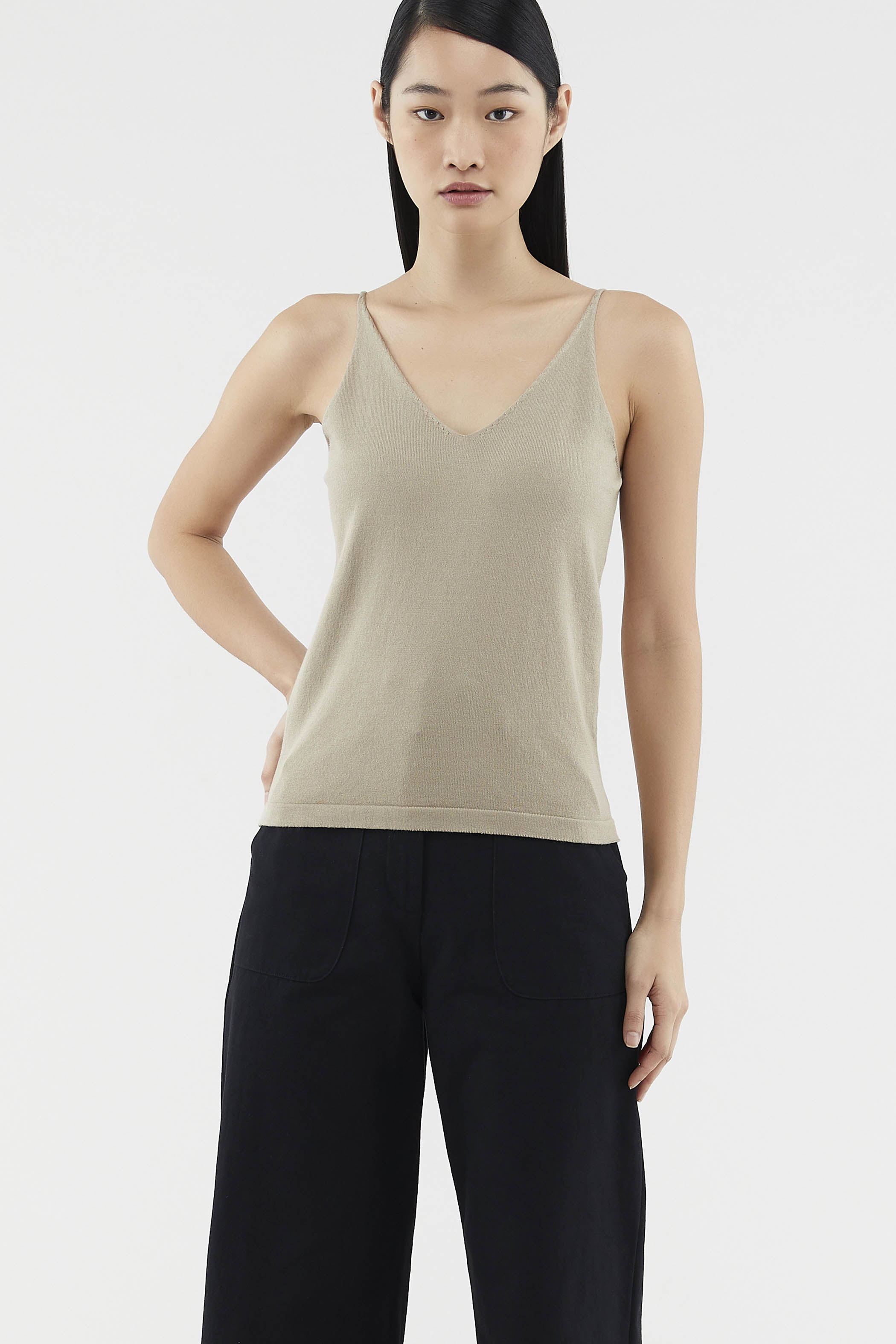 Sheyla V-neck Knit Top