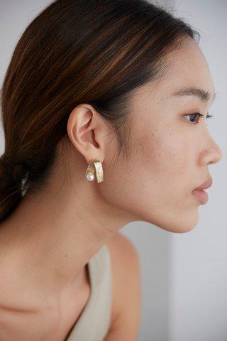 Peggy Pearl Earrings