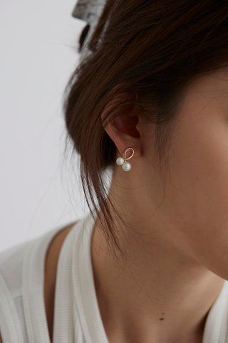 Eara Earrings
