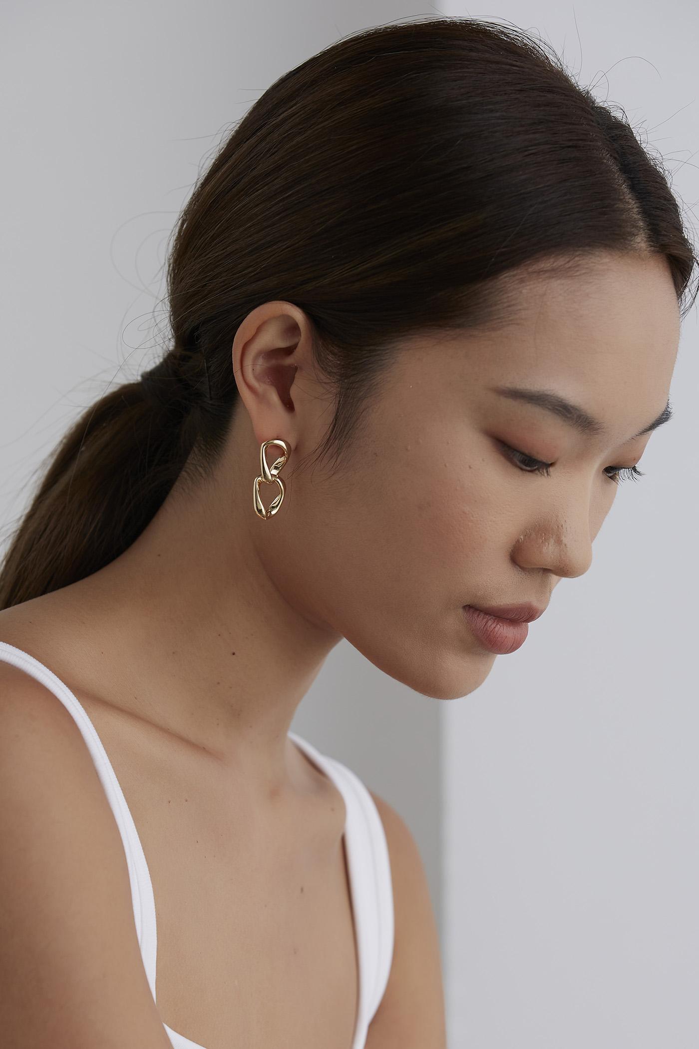 Hilda Drop Earrings