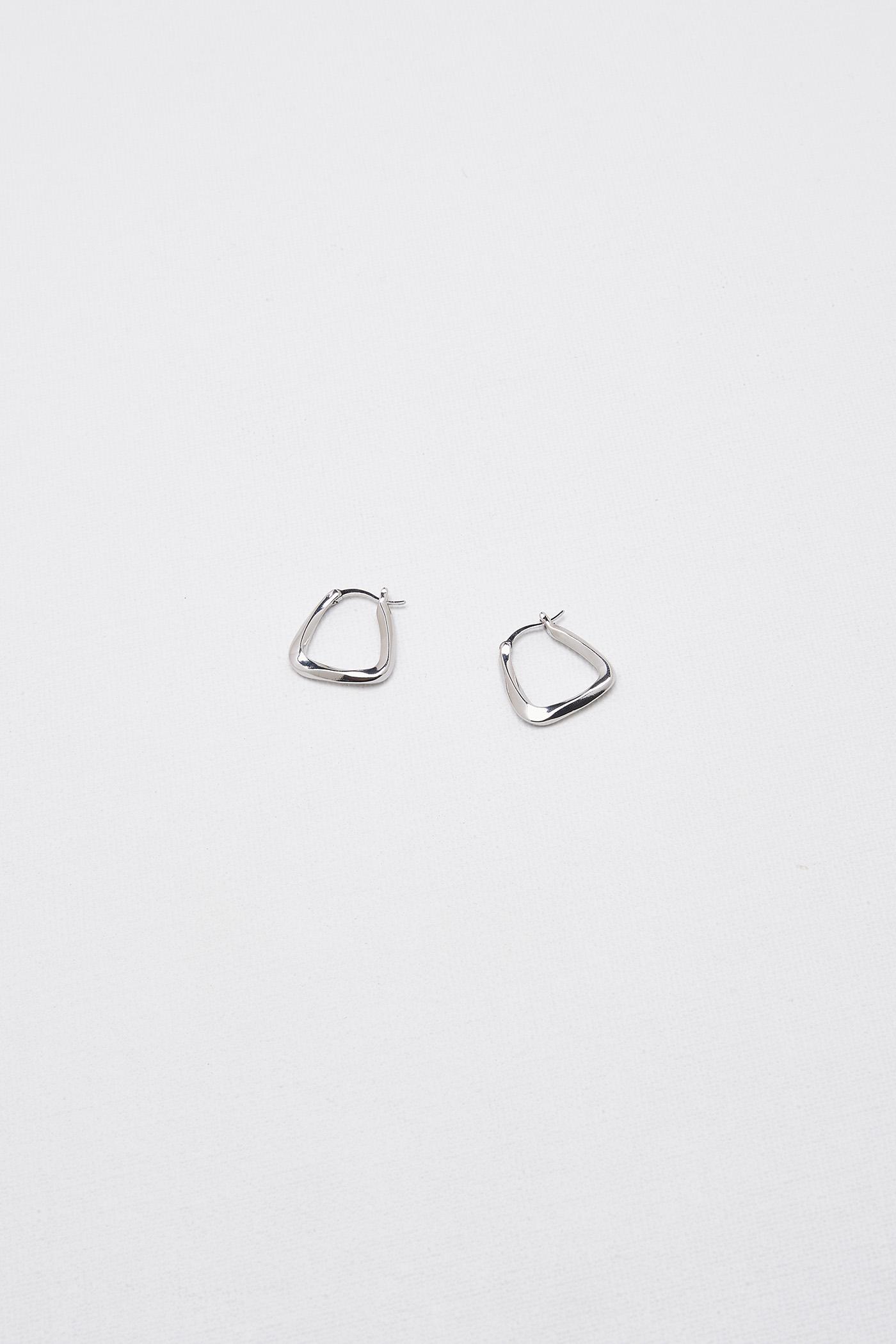 Lona Drop Earrings